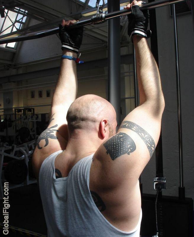 strength training routine latpulldowns